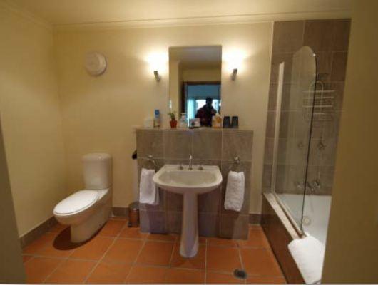room-3-bath
